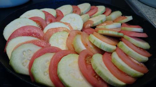 Запеканка из кабачков, помидоров и сыра, ингредиенты, приготовление, шаг 2