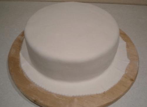 Торт «Крош» из мастики