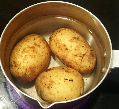 залить картофель кипятком
