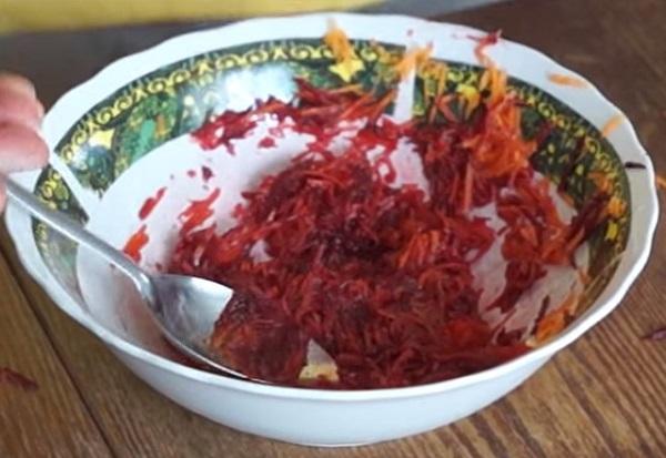 Салат со свеклой и морковью