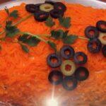 Салат «Лисья шубка» с селедкой и грибами