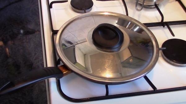 belkovyj-omlet-na-skovorode4