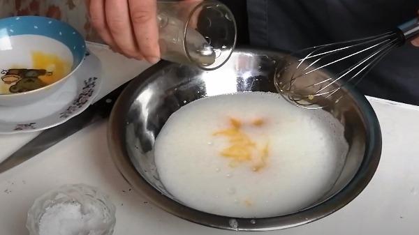omlet-bez-moloka-na-skovorode5