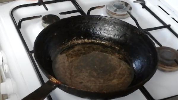 omlet-bez-moloka-na-skovorode8