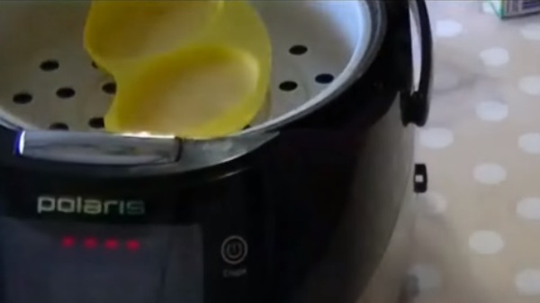 omlet-na-paru-v-multivarke6