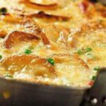 Вкусный и сытный омлет с картошкой на сковороде