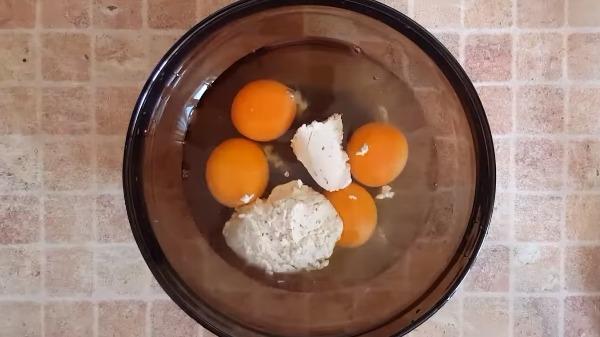 omlet-s-plavlennym-syrom2