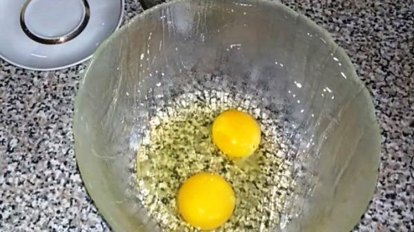 omlet-v-mikrovolnovke-s-molokom2