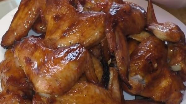 Куриные крылья в медовом соусе в духовке