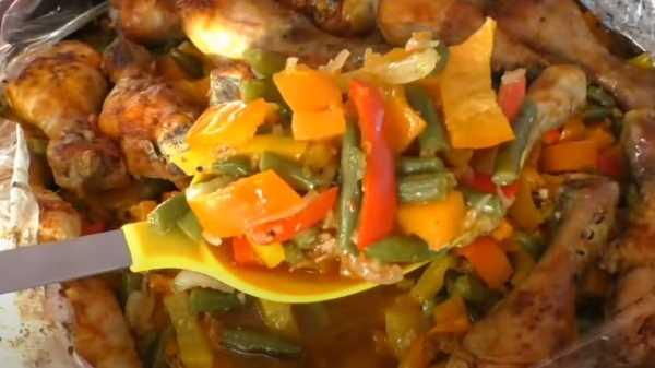Голень с овощами в духовке в рукаве