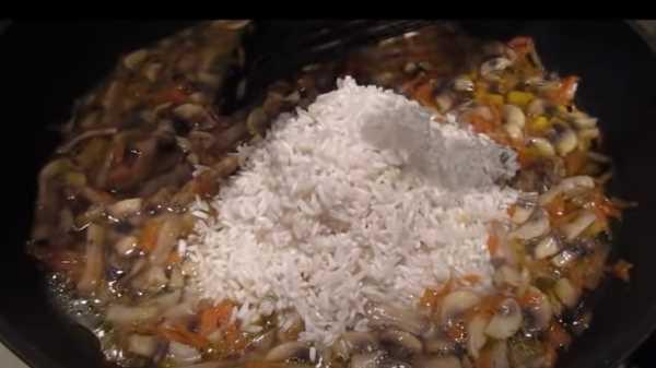 Утка с рисом в духовке в рукаве