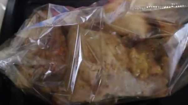 Кусочки индейки в рукаве в духовке