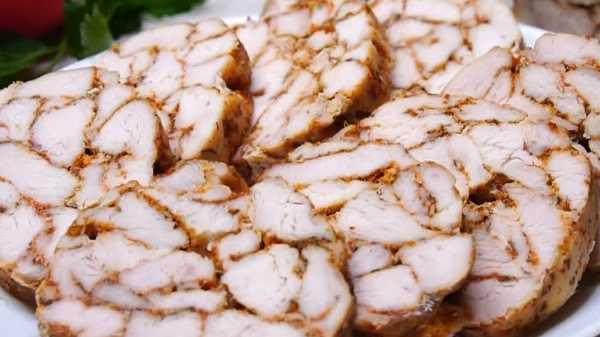 Мраморный рулет из курицы с желатином в духовке в рукаве