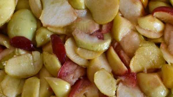 Как и сколько варить компот из яблок