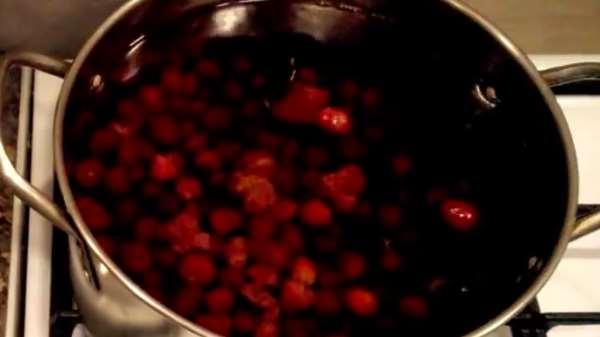 Как и сколько варить компот из вишни