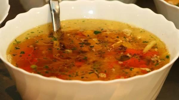 суп из замороженных белых грибов с вермишелью