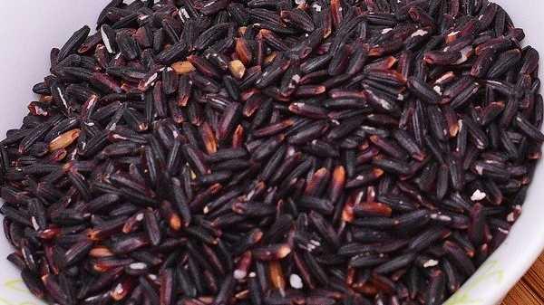 Как варить черный рис в кастрюле на воде (без замачивания)