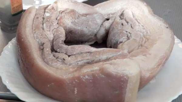 Как и сколько варить свиную грудинку